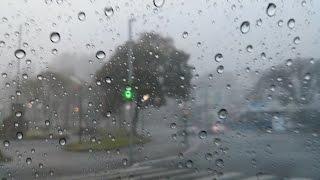 Dirigindo na chuva (volta para casa)
