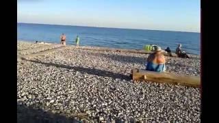 Гудаута пляж  Сентябрь 2016(Абхазия 2016,Гудаута. Вечером на местном пляже., 2016-12-12T17:45:47.000Z)