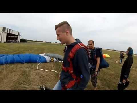 Saut en parachute vannes doovi - Saut parachute vannes ...