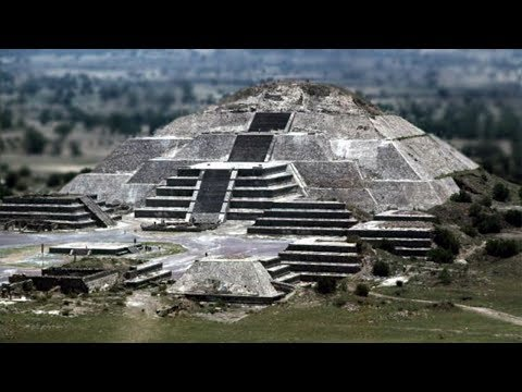 Archaeologists Find Amazing Discovery Underneath Mexican Pyramid