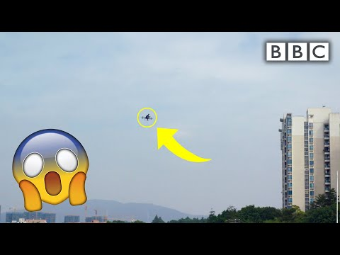 The flying motorbike is reality! | Reggie in China - BBC