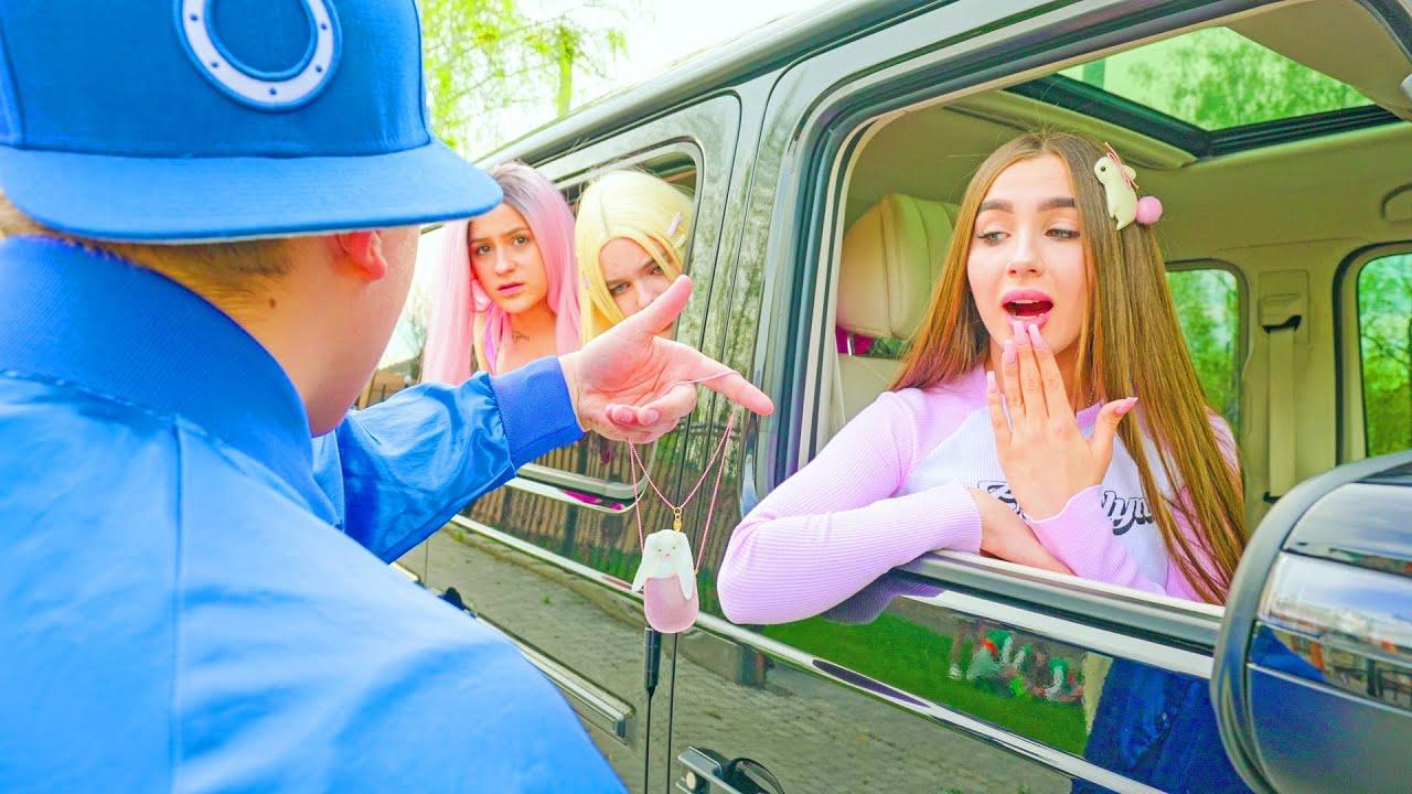 Download ¡Fan de la escuela está persiguiendo a Diana! ¡Las chicas rebeldes temen al nuevo novio de Diana!