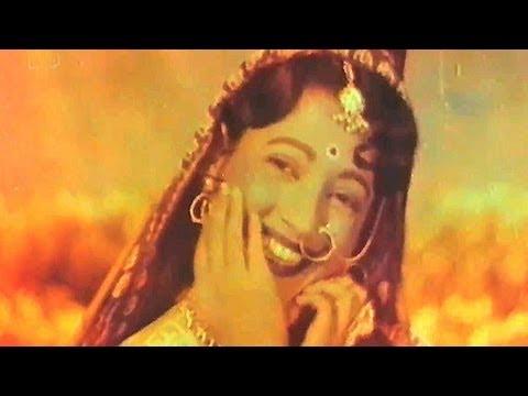 Khuli Hawa Mein Dole Re - Suchitra Sen, Champa Kali Song