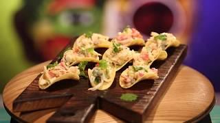 Рецепт недели: крабовый салат на чипсах