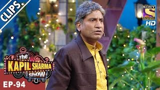 Bumper's Chachaji from the village tumbles on to the stage - The Kapil Sharma Show - 1st Apr, 2017