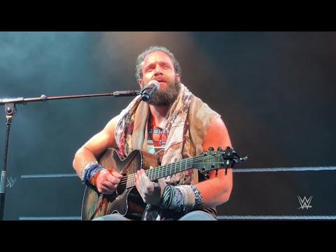 Elias name drops Bono, dumps on Dublin