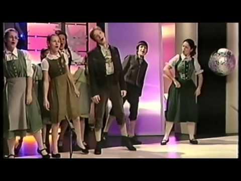 .A muzsika hangjából egy kis ízelítő. Dó, ré, mi.....Főszerepben Wégner Judit. from YouTube · Duration:  2 minutes 45 seconds