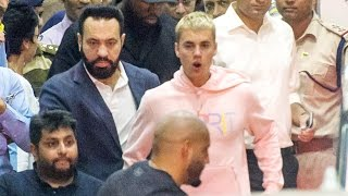 Justin Bieber's Grand Entry At Mumbai Airport For Purpose Tour In India thumbnail