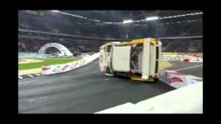 Гонка чемпионов 2010 и электрический Toyota RAV4(, 2010-12-01T22:41:06.000Z)