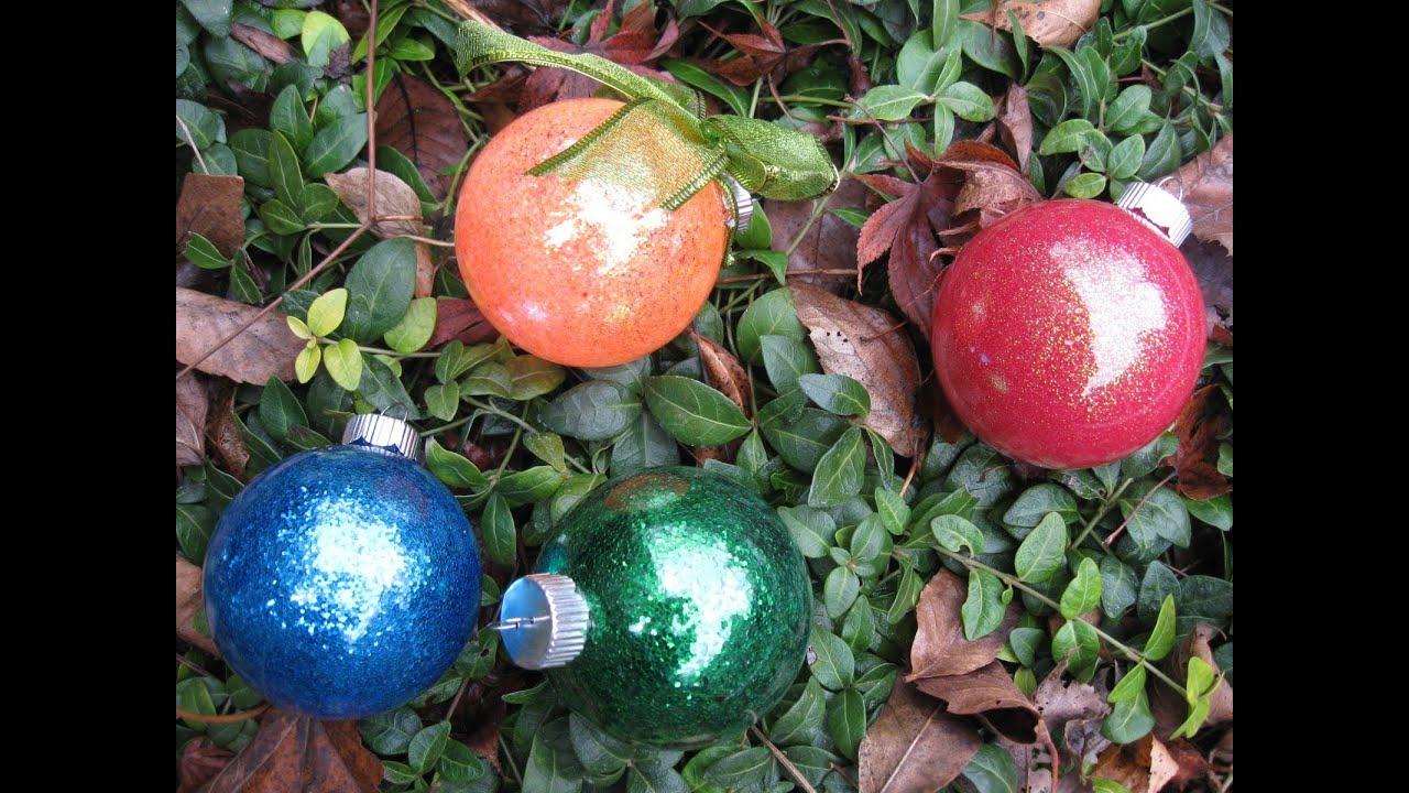 Easy glitter ornaments with floor wax glitter balls youtube solutioingenieria Choice Image