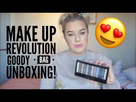 MAKE UP REVOLUTION HALLOWEEN PARTY GOODY BAG UNBOXING | AMBER HOWE