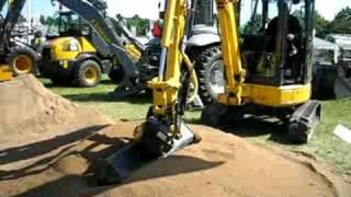 Komatsu mini graver