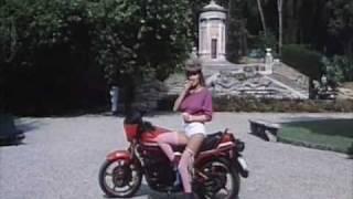 Manfredi in Questo e Quello 1983 - scena alle terme di Montecatini