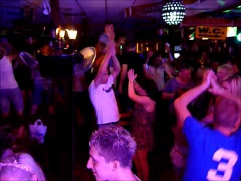 Rives Bar Cyprus DJ Leighton 2