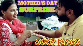 Surprise for Mom on Mother