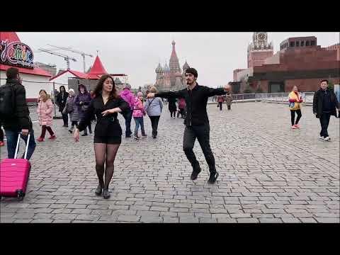Девушка Танцует Очень