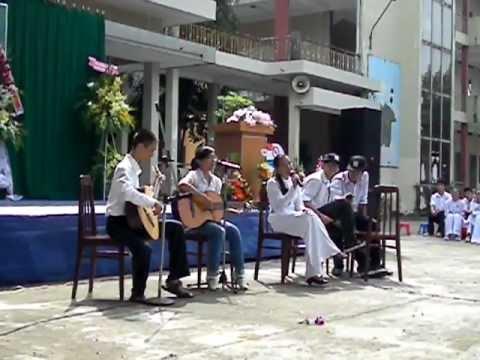 Trống cơm (Lễ 20/11/2011 Lương Thế Vinh - Đồng Nai)