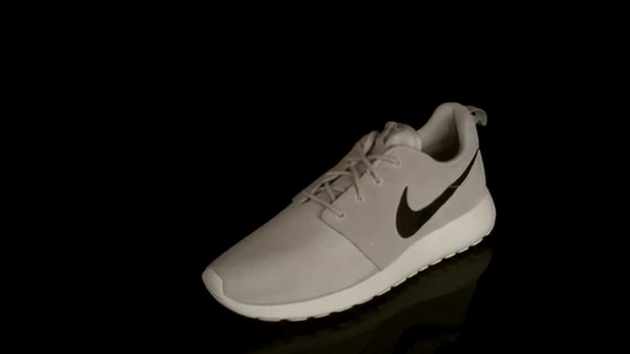 245ba2f28598 Nike RosheRun Suede sneaker Light Ash Grey Black Summit White Volt 685280