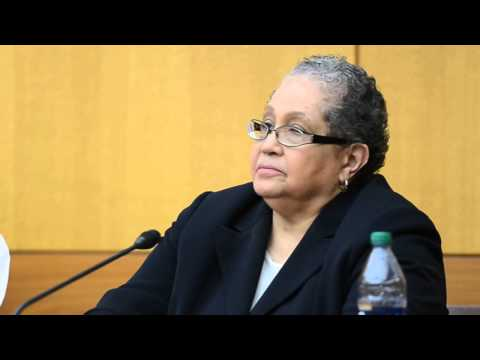 Former APS chief Beverly Hall takes the witness stand