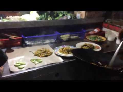 Wisata Kuliner Malam Street Food Mie Tiaw Di Kranggan Bekasi Youtube