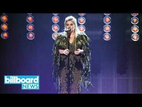 AMAs 2017: Kelly Clarkson Performs 'Miss...