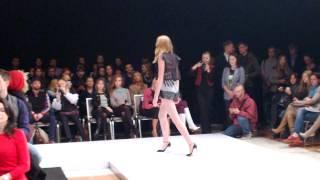 Видео: мода, фрагмент показа Natasha Zinko на Mercedes-Benz Kiev Fashion Days S/S 2014(Пример видеозаписи смартфоном Nokia Lumia 1020. Запись сделана во время показа коллекции Natasha Zinko на главном подиум..., 2013-10-19T12:36:20.000Z)