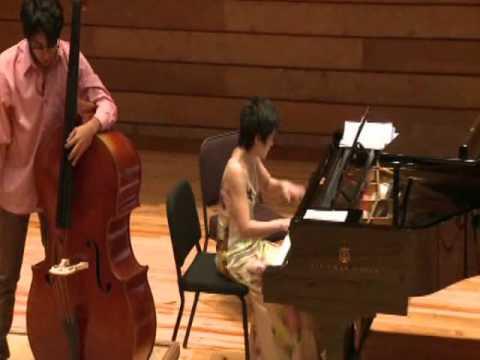 "J. Vanhal ""Doublebass Concerto. Allegro moderato"" - Freddy Adrian"