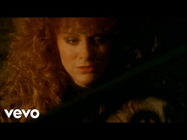 Reba McEntire - Rumor Has It (Official Music Video)