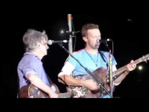 Coldplay - Four Seasons in One Day ft. Neil Finn @ Auckland 2016