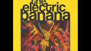 The Electric Banana - Walking Down the Street