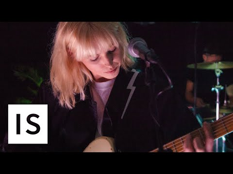 FENNE LILY // In Stereo Sessions