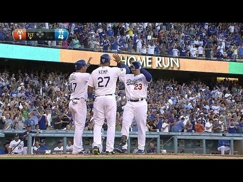 MIA@LAD: Adrian goes yard in his first Dodgers atbat
