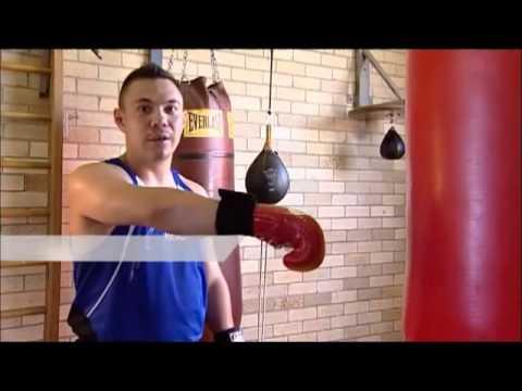 Learning to Box with a professional boxer Kostya Tszyu ( Boxen Lernvideo mit Trainings)