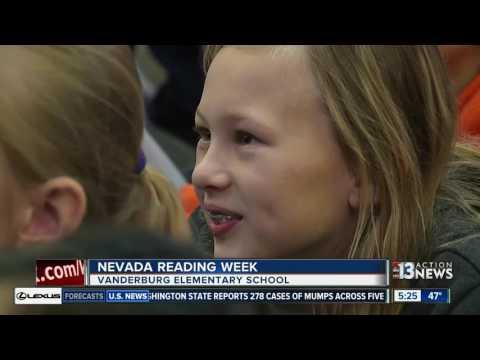 Anchor Steve Wolford reads to kids at Vanderburg Elementary