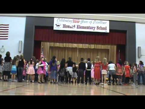 Kids Still Say The Pledge Of Allegiance In American Schools