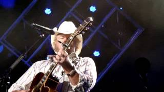 "Toby Keith ""Dream Walking"" 06/01/2014"