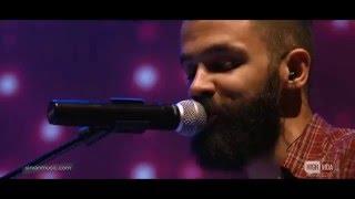 "Sirvan Khosravi - ""Doost Daram Zendegiro (Live)"""