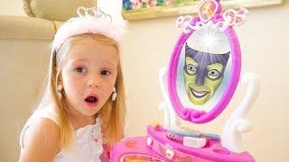 स्टेसी सुंदर बनना चाहती है, प्रिटेंड ड्रेस अप और मेकअप खिलौने    Stacy Stories
