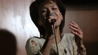 2013-06-26の「うさなろ」でのライブ画像です。松原のぶえさんの曲のカバ...
