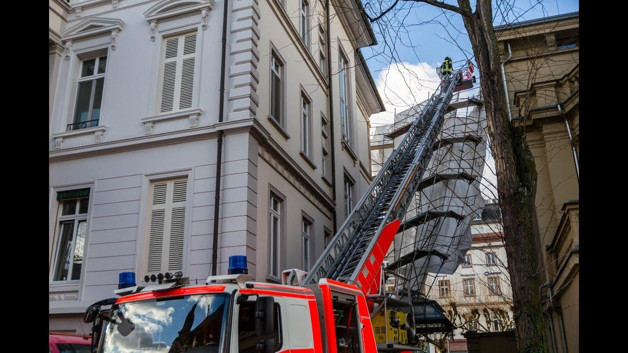 Zahlreiche Bäume stürzen durch Okanböen um – Baugerüst auf der Wilhelmstraße droht umzustürzen