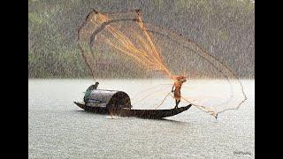 Традиционная рыбалка кастинговой сетью в Колумбии. Traditional fishing casting net in Colombia