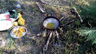 Survival in the Jungle: Cooking with a makeshift chulha