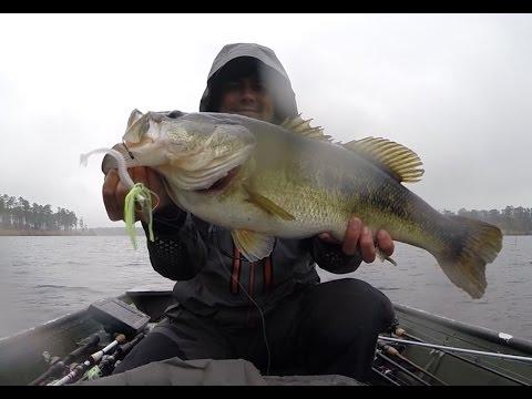 Lake chickamauga spring bass fishing doovi for Bass fishing in the rain