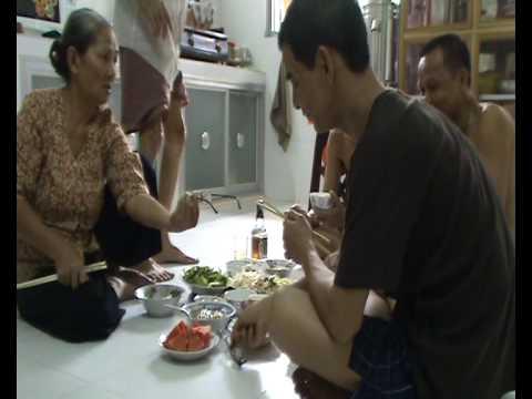 bua com gia dinh cuoi nam ty_(cuoi nam 2008 -dau nam 2009 )
