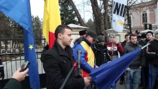 Politik.MD - Flashmob la Ambasada România în R.Moldova