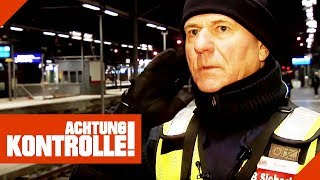 Wahnsinn! Geistig verwirrter Mann legt Feuer im Bahnhof! | Achtung Kontrolle | kabel eins