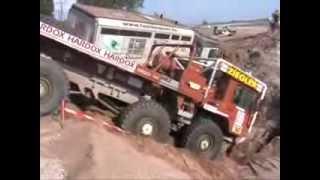 Ралли грузовик в песке