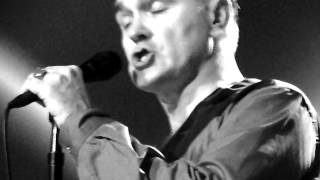 ONE OF OUR OWN by Morrissey live@Utrecht 28-10-2014