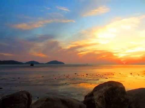 พระอาทิตย์ขึ้นตำแหน่งใต้สุด ณ สะพานหิน จ.ภูเก็ต