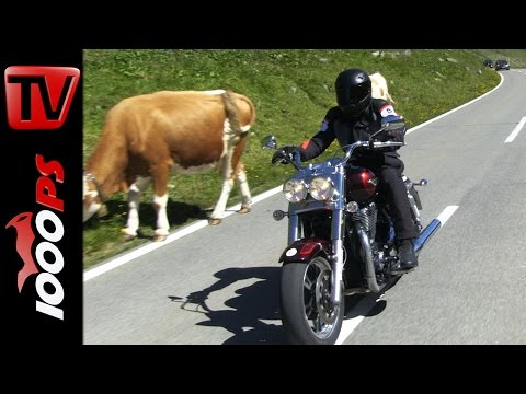Triumph Thunderbird Commander vs. Ducati Diavel   Angeberbikes in den Alpen